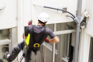 riparazione tubi di scarico esterni in facciata interno cortile